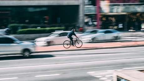 Lerner defende uso de bicicletas como alternativa de mobilidade