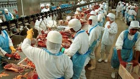 Brasil exporta carne para mais de 150 países em todo o mundo, em mercado que movimenta milhões de dólares