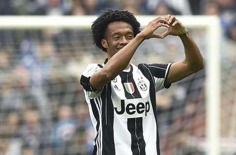 O colombiano Cuadrado, da Juventus, repassou a numeração de sua camisa para que Cristiano Ronaldo pudesse usar a 7 no time italiano