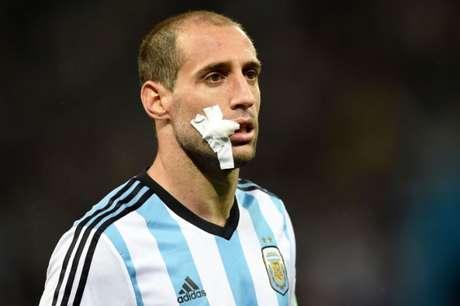 Pablo Zabaleta foi cortado da Argentina (Foto: Pedro Ugarte/AFP)