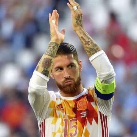 Sergio Ramos se apresentou à Espanha (Foto: Reprodução)
