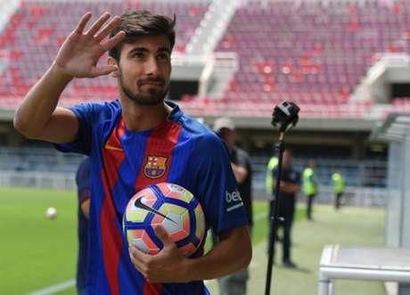 André Gomes assinou contrato com o Barça até junho de 2021 (Foto: AFP)