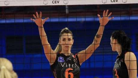 Thaisa, atualmente na Turquia, é uma das insatisfeitas com limitação imposta pelo ranking (Foto: Divulgação/CEV)