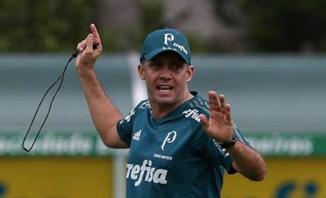 Eduardo Baptista deve dar chances a atletas que jogaram menos nesta partida (Foto: Agência Palmeiras)