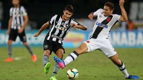 Jovem disputou seu segundo clássico com a camisa do Botafogo nesta temporada (Foto: Vítor Silva/SSPress/Botafogo)