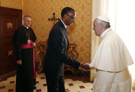 El papa Francisco recibe al presidente de Ruanda Paul Kagame en el Vaticano el 20 de marzo del 2017.