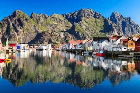 Oslo, Bergen, Tromso, Stavanger y Thondheim están entre las ciudades principales de Noruega.