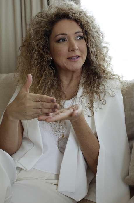 """La cantante y compositora panameña Erika Ender durante una entrevista en la ciudad de Panamá el martes 21 de marzo del 2017. Ender, quien coescribió el éxito de Luis Fonsi con Daddy Yankee """"Despacito"""", está nominada al Salón de la Fama de los Compositores Latinos."""