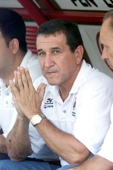 Carlos Alberto Parreira teve uma passagem vitoriosa no Corinthians em 2002, quando conquistou os títulos do Torneio Rio-São Paulo e da Copa do Brasil
