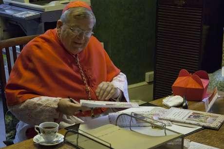 Cardeal americano Raymond Burke acredita que o papa esteja fazendo ajustes perigosos na tradição de mais de 2 mil anos do Cristianismo