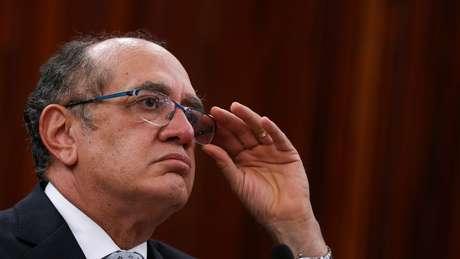 Gilmar Mendes é amigo pessoal de Temer e presidente do TSE