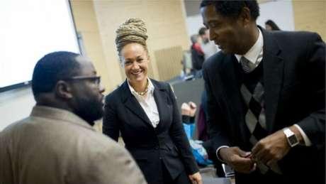 Dolezal trabalhava em respeitada organização pelo avanço de pessoas de cor nos EUA