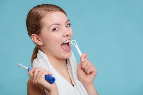 Caso prefira a escova opte por modelos de cabeça menor, assim as chances de sentir ânsia diminuem.