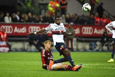 Inter oficializa contratação de Edenilson por empréstimo até junho de 2018