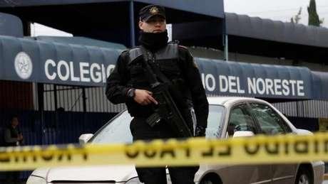 Declaran con muerte cerebral a maestra del tiroteo en escuela de Monterrey
