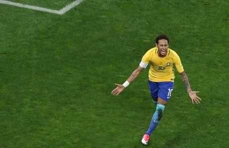 Neymar comemora seu gol