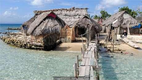 As únicas construções nas ilhas de San Blas são pequenas cabanas feitas de materiais naturais
