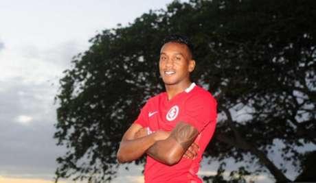 Edenilson pode ser escalado para partida contra o Cruzeiro-RS (Foto: Ricardo Duarte / Sport Club Internacional)