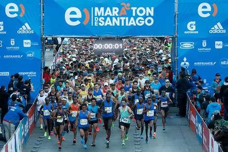 PPK felicita a Ines Melchor por triunfo en maratón de Santiago