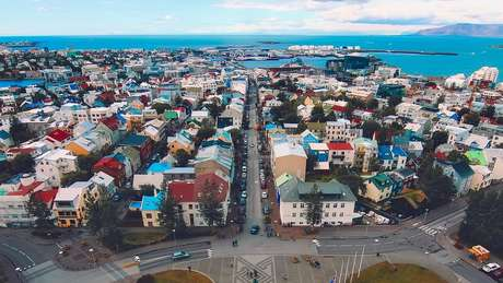 Islândia tem baixos níveis de desigualdade na população e também no serviço público.