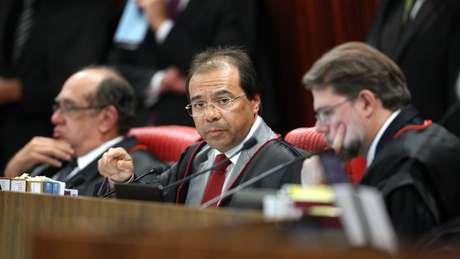 Nicolao Dino (ao centro) será o representante do Ministério Público no histórico julgamento que começará nesta terça
