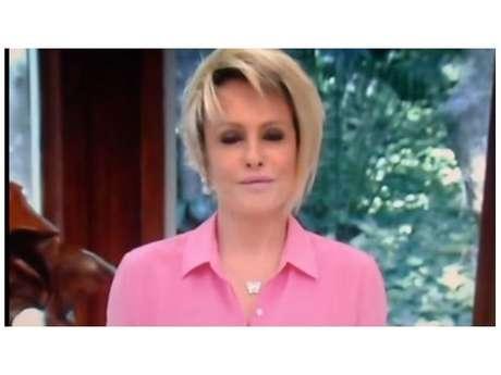 Ana Maria Braga paga mico na TV