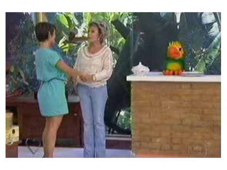 Ana Maria Braga e Louro José quebram louça ao vivo!