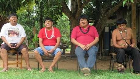 Tribo suruí vestia tangas, caçava com arco e flecha e conhecia pouco do Brasil moderno até 1969