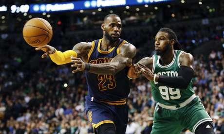 LeBron lideró a los Cavaliers para recuperar el liderato de la Conferencia Este de la NBA