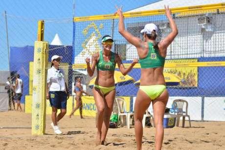 Elize Maia e Taiana avançam para as quartas (Foto: Matheus Vidal/CBV)