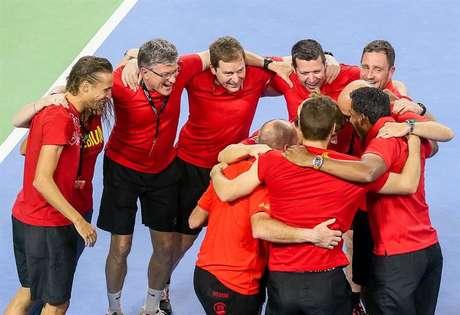 Equipe belga comemora classificação às semifinais da Copa Davis