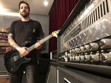 Estevam Romera, do Family Mob Studio, mostra ao Música Fácil oito tipos de amplificadores