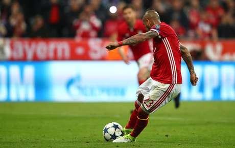 Vidal perdeu a chance de abrir 2 a 0 para o Bayern em cobrança de pênalti
