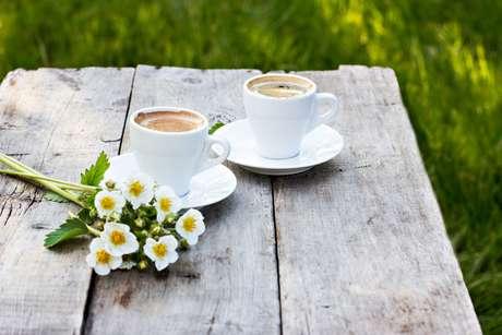 O Brasil produz as duas espécies de café.
