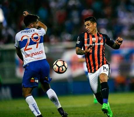La U Católica empta 1-1 y cede el liderato ante San Lorenzo