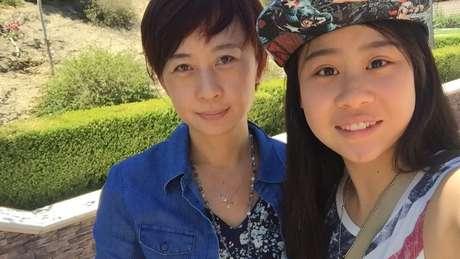 A mãe dela também enfrentou dificuldades para aprender o inglês