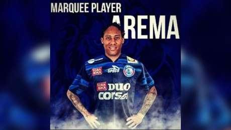 Desde su debut en el 2005, Juan Pablo Pino ha jugado por Independiente Medellín de Colombia, Mónaco y Bastia de Francis, Charleroi de Bélgica, Galatasaray de Turquía, Al-Nassr de Arabia Saudita, Olympiacos de Grecia, Universitario y Arema de Indonesia.