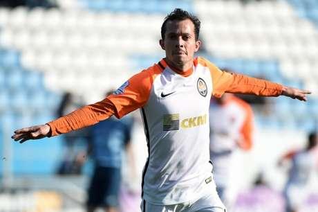 Bernard fez o segundo gol do Shakhtar neste sábado (Foto: Reprodução / Twitter)