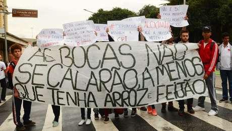 Para professor da PUC-RJ, as ruas estão em silêncio e o atual momento do país tem como protagonistas a mídia e o judiciário