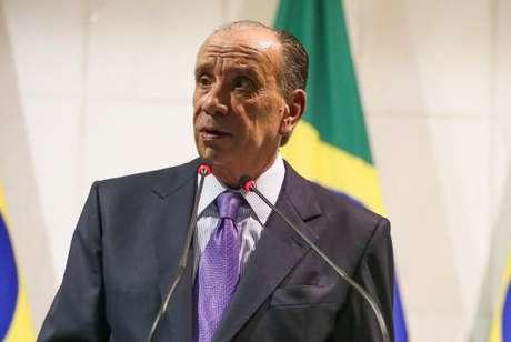 Defesa de Aloysio Nunes deseja que inquérito no Supremo Tribunal Federal seja retirado das mãos do ministro Edson Fachin e redistribuído para outro magistrado