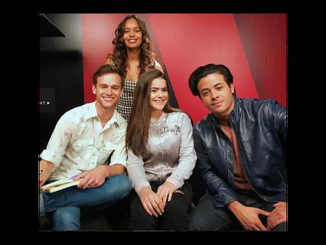 """Maisa Silva entrevista o elenco de """"13 Reasons Why"""" e faz a alegria dos fãs!"""