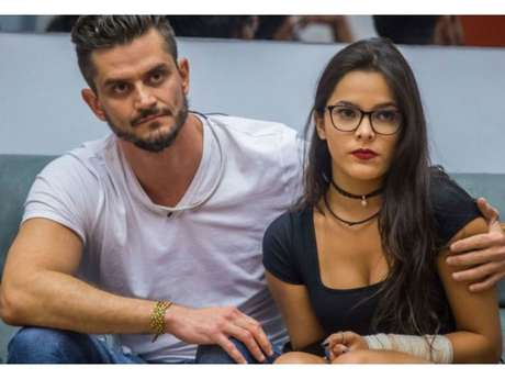 "Do ""BBB17"", Marcos pretende conversar com Emilly após polêmicas no reality"