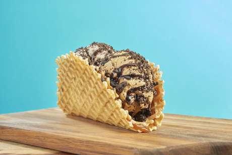 Sobremesa é feita na deliciosa massa de waffle da rede