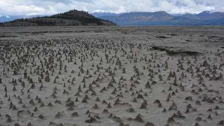 Um dos maiores rios do Canadá varrido do mapa em quatro dias