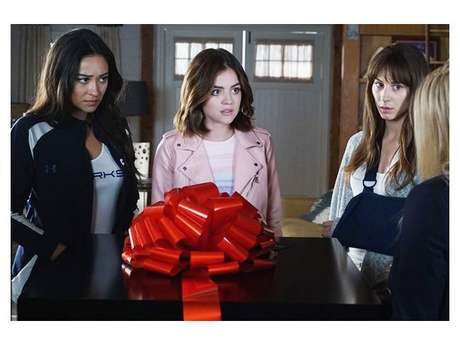 """Em """"Pretty Little Liars"""", confira o que rolou no retorno da série!"""