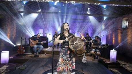 Shana Müller construiu carreira como cantora tradicionalista, e diz que passou a ficar mais atenta ao teor das canções