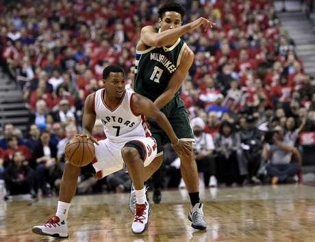 Kyle Lowry llevó a los Raptors de Toronto al triunfo