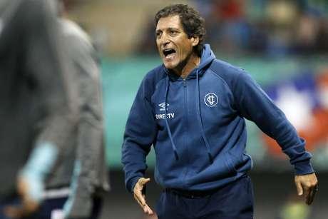 Mario Salas prioriza la Copa Libertadores