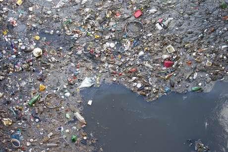 Millones de pedazos de plástico contaminan el Océano Ártico - Imagen de Referencia