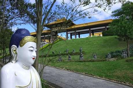 Os Templos Budistas são ótimas opções de passeios curtinhos para relaxar e acalmar a alma!